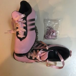 Adidas Traxion Pink ladies golf shoes with Bows! 6
